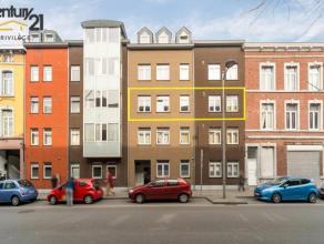 A deux pas de la gare des Guillemins, cette agréable appartement de deux chambres, avec cuisine hyper-équipée ouverte sur s&eacut