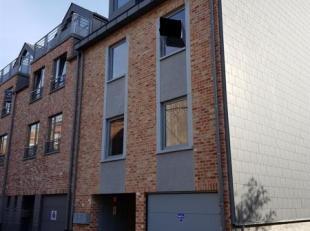 """""""SOUS COMPROMIS""""  Immeuble de rapport construit en 2013', situé en plein centre de Wavre, dans une rue calme, à proximité imm&eac"""