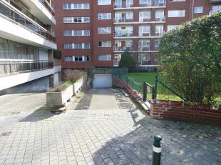 Edmond Machtenslaan 79 (toegang via Alfred Duboisstraat rechts van n°40): Lot van 2 garages naast elkaar van 15m²/box.