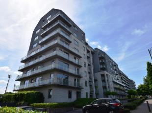 Mettewielaan 62: Gelijkvloers appartement 2 slaapkamers van 105m² met 2 terrassen, tuin, kelder en autostaanplaats.