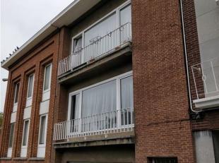 Mons centre-ville, à proximité de la gare et de l'Umons, dans un quartier résidentiel calme avec possibilité de se garer.