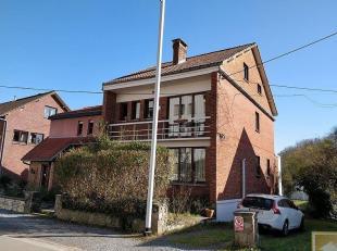 À dix minutes à pied du centre-ville, entre Mons et Hyon, belle maison 3 façades avec 4 chambres qui vous ravira par ses espaces,