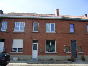 Située dans le charmant village dHarmignies, une maison dhabitation avec 2 chambres et jardin. Composition : rez : une pièce de s&eacute