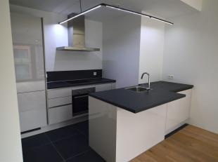 Zeer mooi en nieuw appartement met 2 slaapkamers van ± 90m² ideaal gelegen in de Europese wijk, dicht bij het openbaar vervoer (Schuman) e