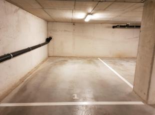 Centrum Brussel, Zeehondstraat vlakbij Sint-Katelijnenplein / Vlaamsesteenweg, parkeerplaats in overdekte garage te koop. Met autolift<br /> info eb b
