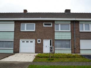 Verzorgde woning met 5 slaapkamers te Kuurne.<br /> Deze woning is gelegen in een rustige omgeving, doch dichtbij het centrum van Kuurne.<br /> Via de