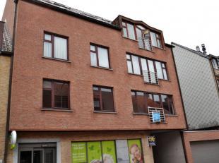 Appartement (75 m²) met terras en kelderberging.Dit appartement op de 3de verdieping is gelegen nabij de Markt van Kuurne en aldus op wandelafsta