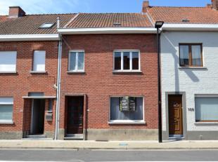 Gezinswoning met 3 ruime slaapkamers.Deze woning is gelegen in de Kouterstraat: zeer rustig (éénrichtingsverkeer) en op wandelafstand va
