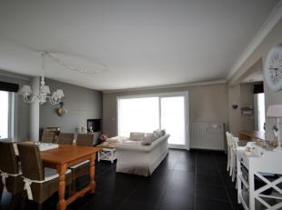 Vernieuwd appartement (100 m²) met 3 slaapkamers.Dit appartement werd volledig vernieuwd. Er is een nieuwe keuken, nieuwe badkamer, nieuwe vloere