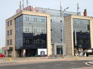 Oreon Properties presenteert:<br /> In dit statisch kantoorgebouw zijn er op dit moment 2 kantoorruimtes beschikbaar. Op de eerste verdieping is er 20