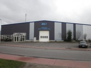 Magazijn met ca. 1.800m² beschikbare opslagruimte. Hetr magazijn is bereikbaar vanaf de E34 afrit 11 Kemzeke.<br /> Voldoende parkeerruimte aanwe
