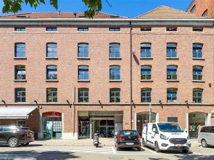 Prachtige kantoorruimte op de 2de verdieping te huur in een gerenoveerd pakhuis gelegen op het Eilandje. Het kantoor van 225m² beschikt nog over