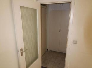 Adresse : Rue Stévin , 8  Grand appartement 1 chambre dans quartier européen à rénover.Situé au 5ième &eacut