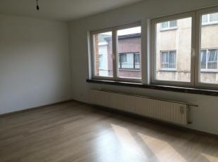 Uiterst tof appartement op een rustige maar centrale topligging op wandelafstand van Herentalsebaan / Dascottelei,dicht bij winkels, openbaar vervoer