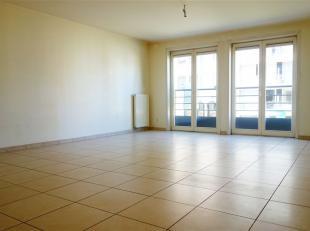 Très bel appartement situé dans le centre de Tournai, à deux pas de la Grand-Place. Il se compose d'une agréable pi&egrave