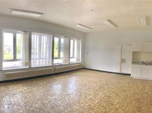 Studio situé au 2 ème étage d'un bâtiment idéalement placé !<br /> Composé d'une grande pièce &