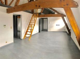 Bel appartement rénové dans le centre de Tournai.<br /> Situé au 3ème étage avec ascenseur d'un petit immeuble de r