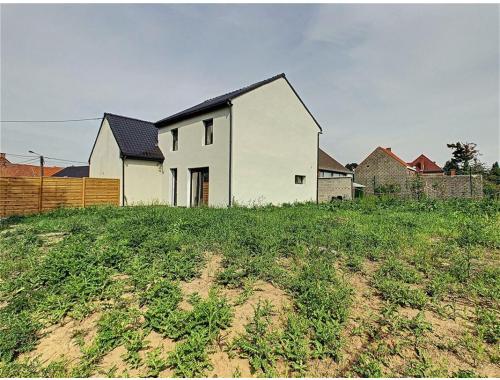 Maison à vendre à Vezon, € 175.000