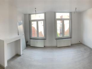 Appartement type duplex entièrement rénové (fin du chantier prévu pour mi-septembre) au coeur de la ville de Tournai proch