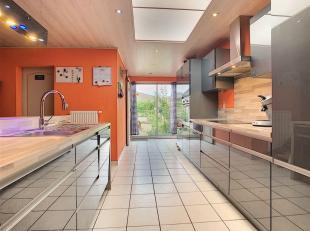 Maison d'habitation entièrement rénovée située dans une rue calme d'Avelgem<br /> Au rez-de chaussée vous trouverez