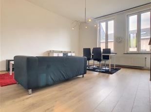 Bel appartement au cachet architectural bourgeois situé à deux pas du centre ville de Mouscron et de la gare, celui-ci se compose d'un s
