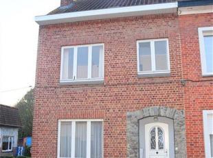 Jolie maison 3 façades située à l'extérieur des boulevards, proche des grands axes et de toutes les commodités.<br