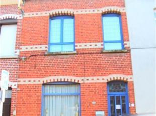 Située dans une rue agréable de Tournai à deux pas du centre ville, cette maison est idéale pour un premier achat ou pour