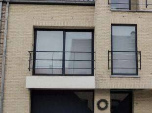 Voor meer info bel 054/33 39 33.  Deze bel-étage is weldra beschikbaar. Het kan een gezellige thuis worden voor wie op zoek is naar een praktis