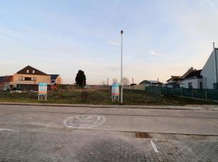 Voor een bezoek of meer info bel 054/69.39.34 - In het landelijke Appelterre-Eichem bevindt zich dit perceel bouwgrond voor HOB op ca. 2 a 80 ca. Het