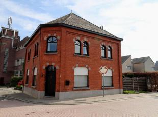 Voor een bezoek of meer info bel 054/69.39.34 - Op een strategische uitvalsbasis in Haaltert bevindt zich deze charmante woning. Scholen, openbaar ver