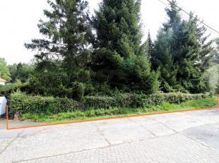 Voor een bezoek of meer info bel 054/69.39.34 - INTERESSANTE BOUWGROND OP TOPLOCATIE -  In een doodlopende straat te Meerbeke bevindt zich dit perceel