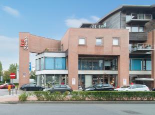 Deze handelsruimte is ongetwijfeld gelegen op één van de beste commerciële plaatsen van Oostende in de linkervleugel van het Jetcen