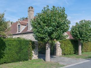 Dit perfect onderhouden huis met aangelegde tuin en<br /> terrassen is bijzonder rustig gesitueerd in Oostduinkerke. Op het gelijkvloers met vloerver