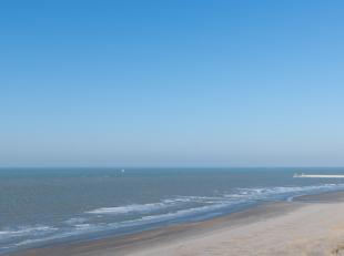 Prachtige locatie aan het strand van Nieuwpoort ! Vanuit de living en volledig ingerichte keuken geniet u van een fantastisch zicht op het strand en h