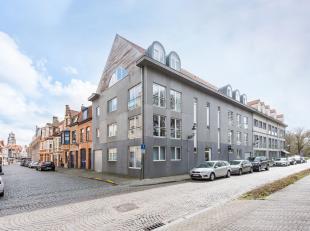 EPC 331 kWh/m² - UC 20499048<br /> Dit recente luxe appartement situeert zich op het bovenste verdiep in een standingvolle residentie in centrum-