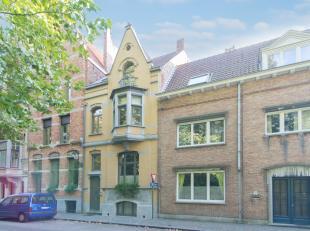 """Aan de sprookjesachtige vesten van Brugge gaat deze echte authentieke parel genaamd """"Villa Mathilde"""" schuil. Wie op zoek is naar een eigendom met kara"""