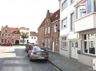 Deze recent gerenoveerde woning is gelegen in de Julius & Maurits Sabbestraat, in het centrum van Brugge! Deze woning heeft de volgende indeling,