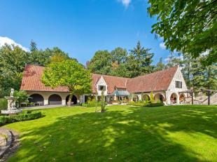 Prachtige villa met tal van mogelijkheden te Waardamme (Waaroostpark), omringd door een bosrijke omgeving in een oase van rust. Deze woning met een be