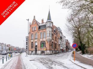 OPENDEUR 9/03 van 11-14u.Uiterst uniek eigendom op een echte toplocatie in Brugge! Dit eigendom heeft de volgende indeling: handelsgelijkvloers met en