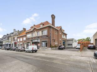 Deze unieke aanbieding is gelegen op een vlot bereikbare locatie in de Sint-Pieterszuidstraat en beschikt op heden over een handelshuis (262m²) m