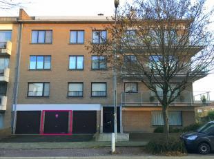 Garagebox te huur gelegen dichtbij centrum Brugge, grote toegangswegen en AZ-Sint-Jan.<br /> Deze garagebox is gemakkelijk bereikbaar en goed gelegen.