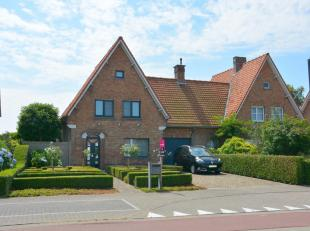 Op een ideale locatie in Jabbeke kan je deze prachtige eigendom terugvinden.  Deze moderne woning bestaat uit een inkomhal die ons brengt naar de ruim