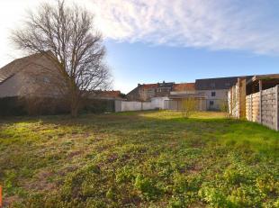 Zuid-west georiënteerd perceel bouwgrond in een residentiële villawijk. Totale grondoppervlakte 528 m². Gelegen in een goedgekeurde ver