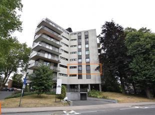 Dit mooi vernieuwd appartement vinden we op de tweede verdieping in Residentie Parkzicht.<br /> Deze statige residentie ligt op enkele minuten van het