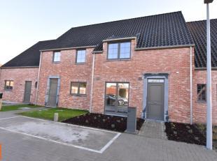 Ruime woning met GARAGE en ZONGERICHTE tuin. De ideale gezinswoning met volgende wooneigenschappen op een boogscheut van het station van Brugge en cen