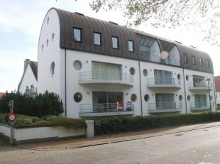 Ruime garagebox van 52m² gelegen langs het Willemspark te Duinbergen op slechts 200m de zeedijk. <br /> De garagebox is 4.55m breed  en +-12m die