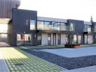 Prachtig gelijkvloers nieuwbouwappartement met grote tuin in Residentie LEYNDECKER, een exclusief en verkeersvrij project in het centrum van Veerle. D
