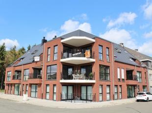 Hoogwaardig afgewerkt, spatieus én licht nieuwbouw duplex-appartement met 3 slaapkamers en terras gelegen op de 2de en 3de verdieping van een k