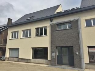 Ruim en instapklaar duplex-appartement van maar liefst 175 m² met riant terras van 46 m², gelegen in het centrum van Schaffen, tussen Bering