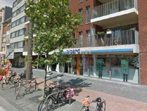 Location Commercial property located at the best side and in the best part of the Statielei in Mortsel. Neighbouring retailers Veritas, Munt Fashion,